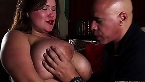 Cock hungry big tits BBW beauty gives an incredible blowjob